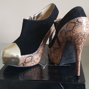 Brand Snakeprint Gold New Booties Size 10
